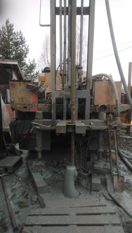 Работа буровой установки на базе Камаз